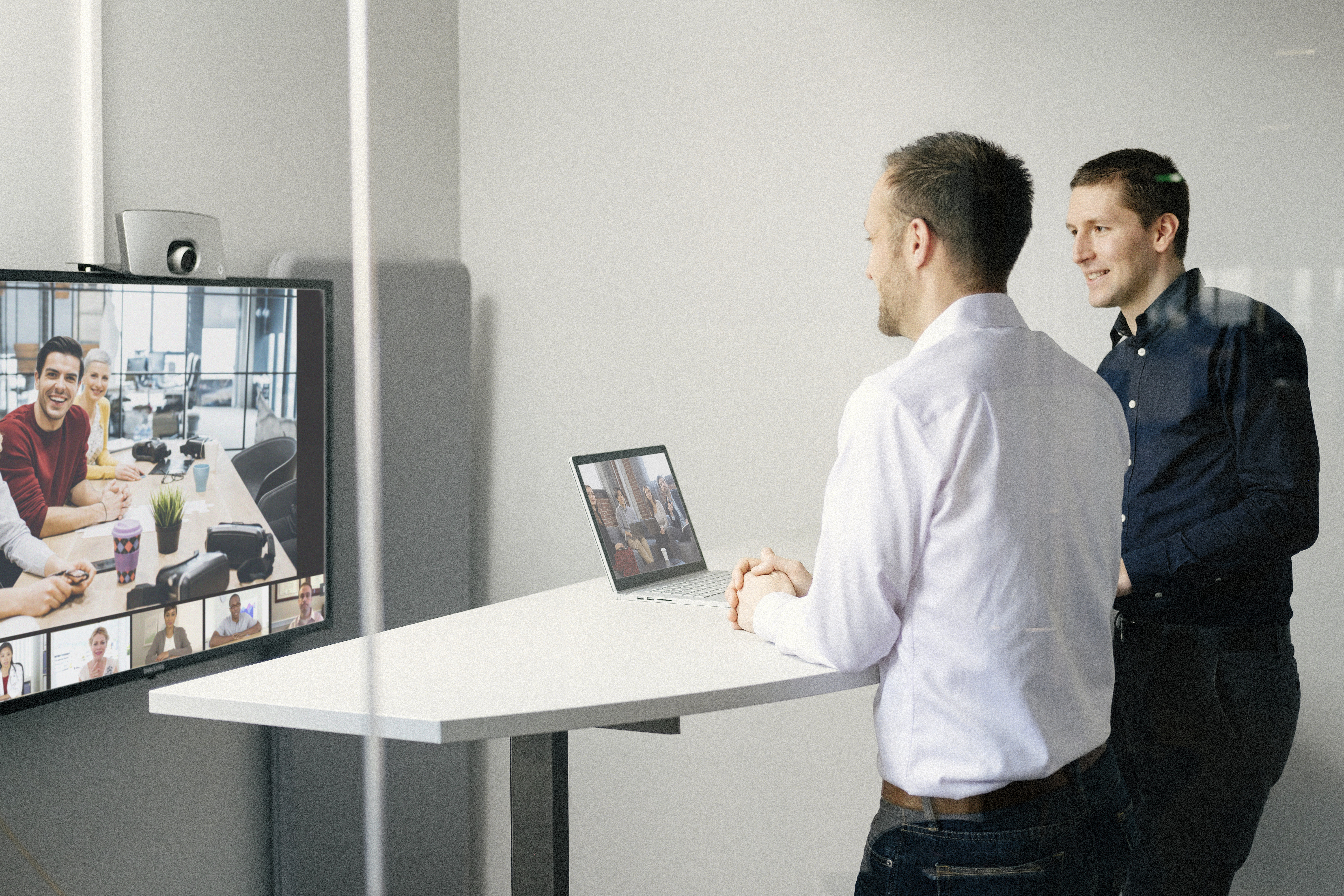 video and meet at the same time